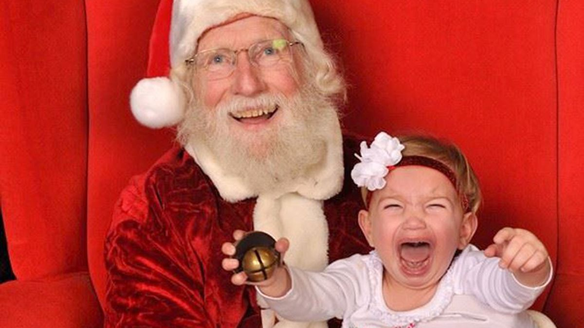 13 Christmas Cards Gone Wrong